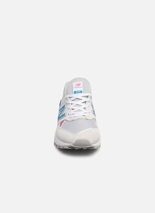 Baskets New Balance W574 Blanc vue portées chaussures