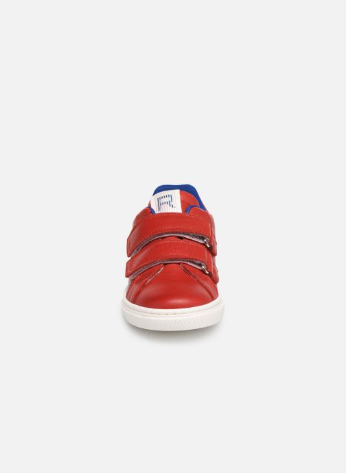 Sneakers Romagnoli Pietro Rosso modello indossato