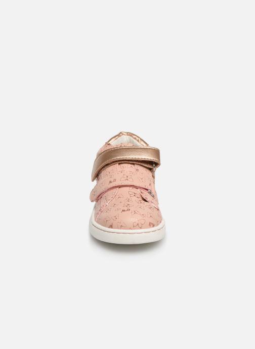 Baskets Mod8 Oupapillon Rose vue portées chaussures
