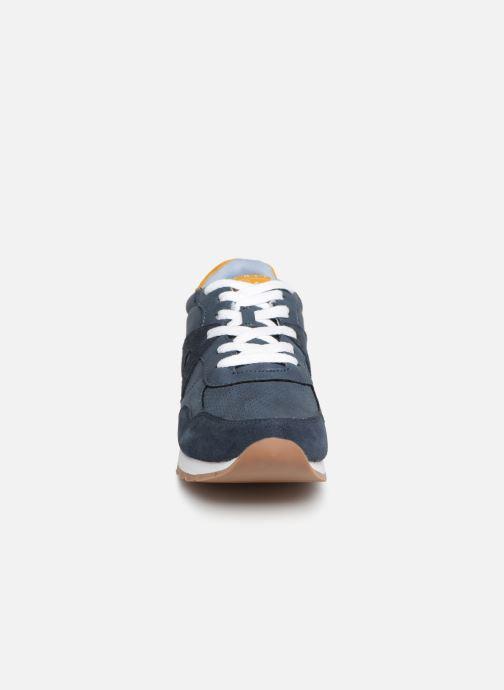 Sneakers Esprit Astro LU Azzurro modello indossato