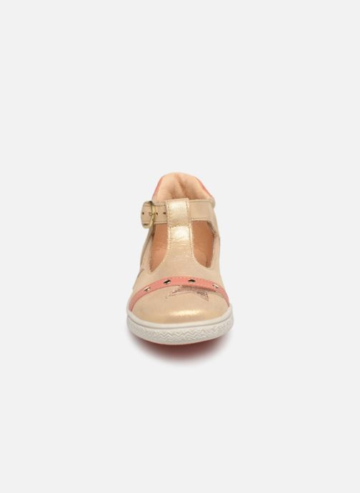 Ballerines Babybotte Shakira Or et bronze vue portées chaussures