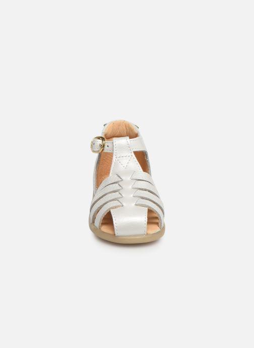 Sandales et nu-pieds Babybotte Guyana Blanc vue portées chaussures