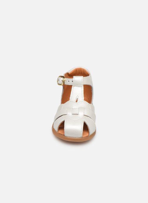 Sandales et nu-pieds Babybotte Gigi Blanc vue portées chaussures