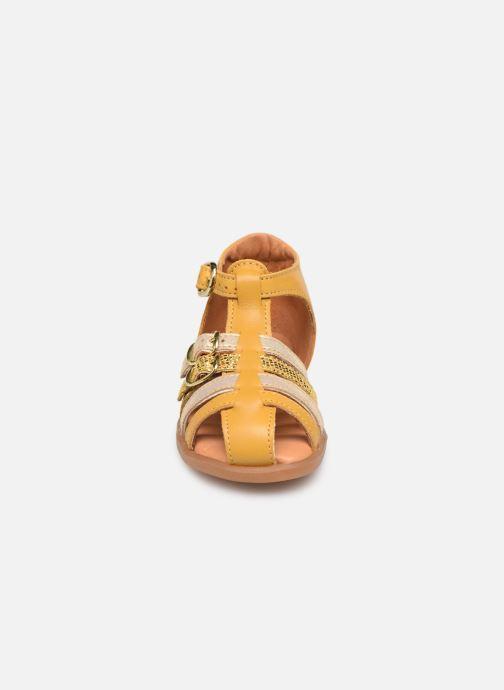 Sandalen Babybotte Twix Geel model