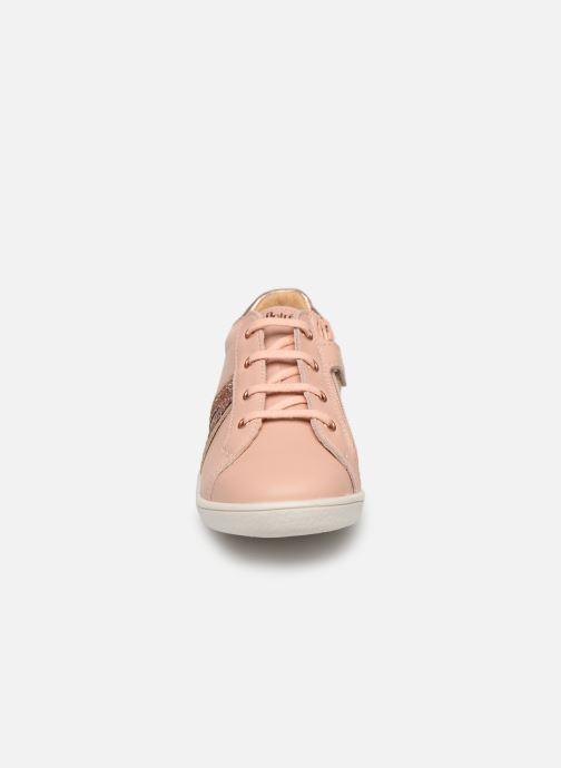 Baskets Babybotte Kassis Beige vue portées chaussures
