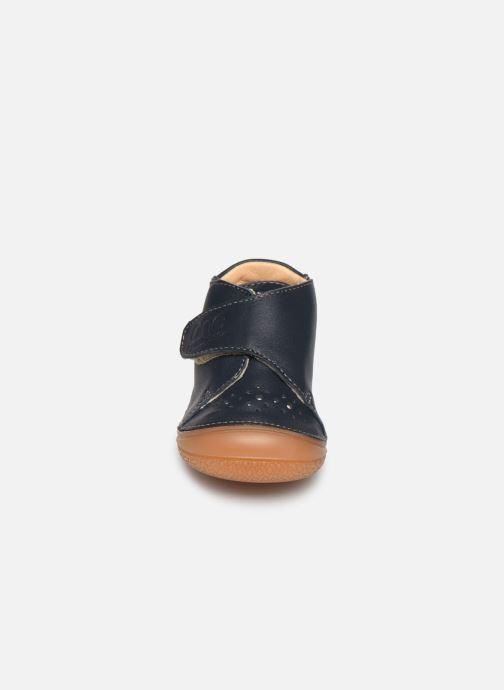 Chaussons Babybotte Zenitude Bleu vue portées chaussures