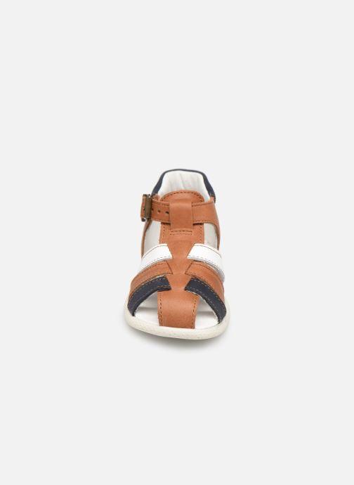 Sandali e scarpe aperte Babybotte Gemeaux Marrone modello indossato