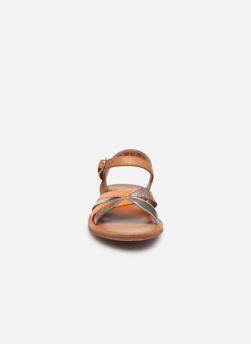Sandali e scarpe aperte Pom d Api Plagette Reverse Marrone modello indossato