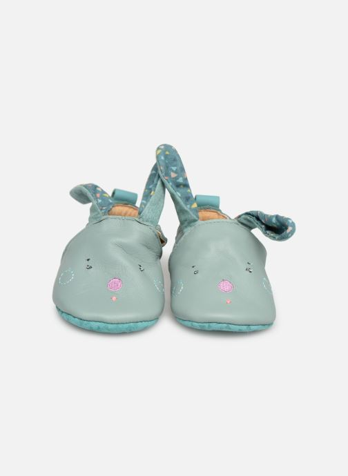 Chaussons Babybotte Lapin - Moulin Roty Bleu vue portées chaussures