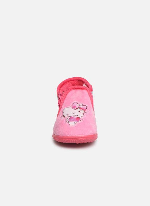 Pantuflas Hello Kitty HK UMMU C Rosa vista del modelo