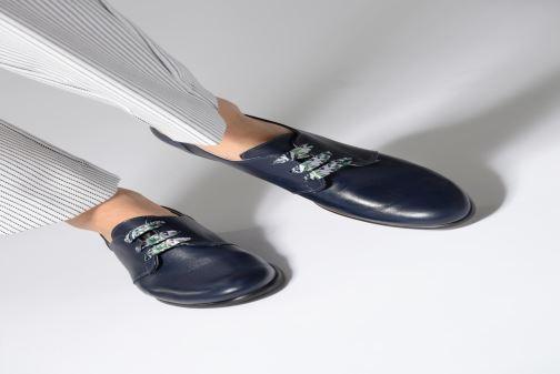 Schnürschuhe Dorking Bahia 7822 blau ansicht von unten / tasche getragen