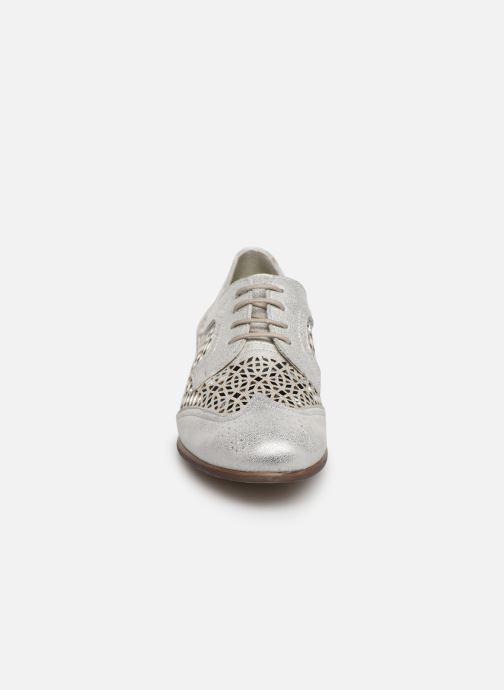 Zapatos con cordones Dorking Bahia 7821 Plateado vista del modelo