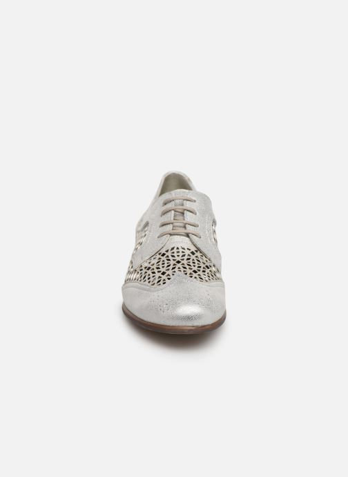 Chaussures à lacets Dorking Bahia 7821 Argent vue portées chaussures