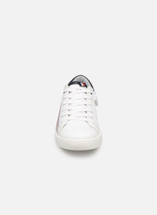 Baskets Tommy Hilfiger Low Cut Lace-Up Sneaker Blanc vue portées chaussures