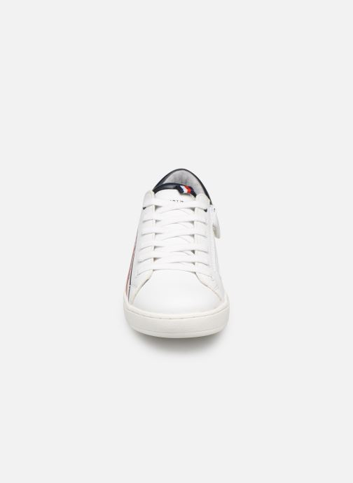 Baskets Tommy Hilfiger Low Cut Lace-Up Sneaker Blanc vue portées chaussures