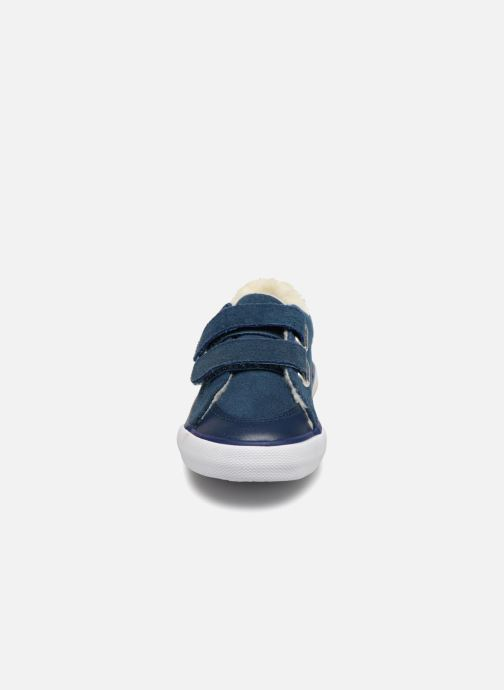 56b374e9b58d9 Baskets Bout Chou TENNIS BASSE FOURREE BEBE Bleu vue portées chaussures