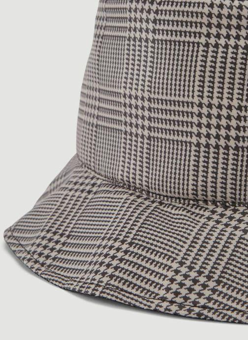 Chapeaux Monoprix Femme CHAPEAU DE PLUIE RˆVERSIBLE Noir vue portées chaussures