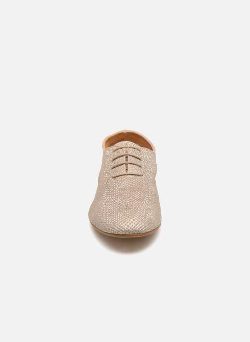 Chaussures à lacets Monoprix Femme Derbies en cuir Or et bronze vue portées chaussures