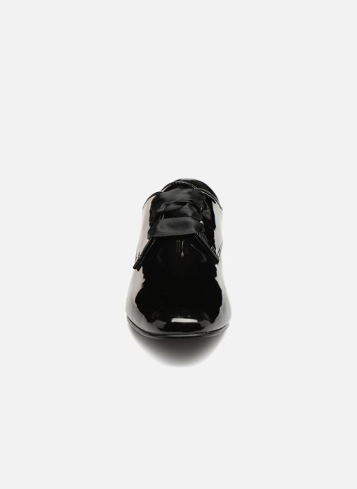 Chaussures à lacets Monoprix Femme DERBY PU VERNIS Noir vue portées chaussures
