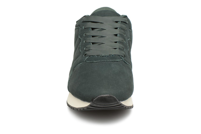 Sneakers Monoprix Femme BASKET UNIES Verde modello indossato
