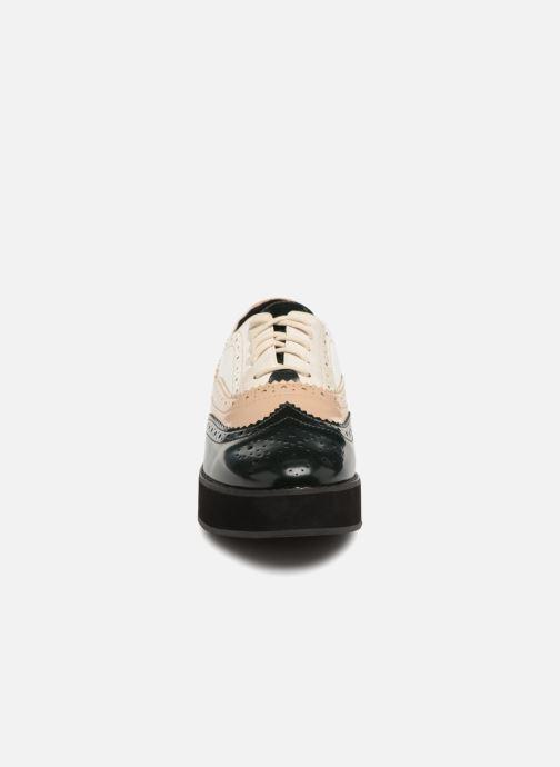 Zapatos con cordones Monoprix Femme DERBY PU TRICOLOR Multicolor vista del modelo