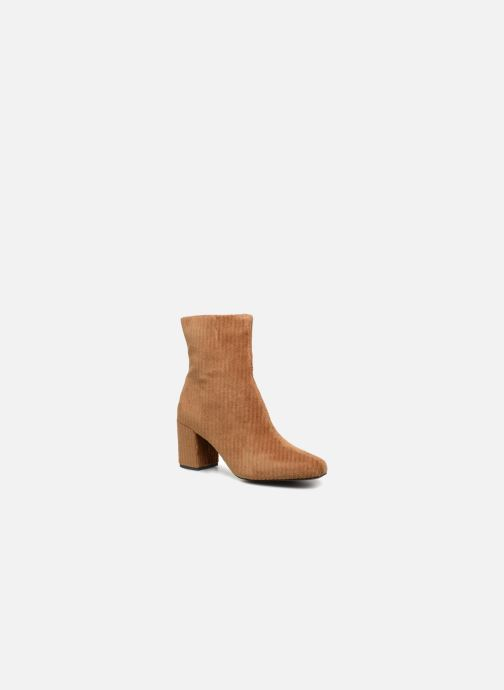 Ankle boots Monoprix Femme BOTTINE TALON VELOURS Brown detailed view/ Pair view