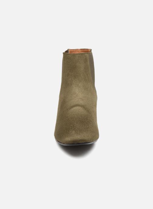 Bottines et boots Monoprix Femme BOTTINES TALON SUEDE Vert vue portées chaussures