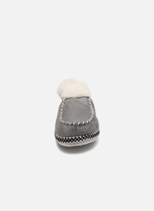 Pantofole Monoprix Femme MOCASSIN FOURRE Grigio modello indossato