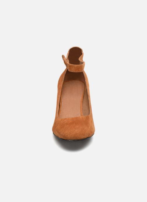 Escarpins Monoprix Premium Babies à talon Marron vue portées chaussures