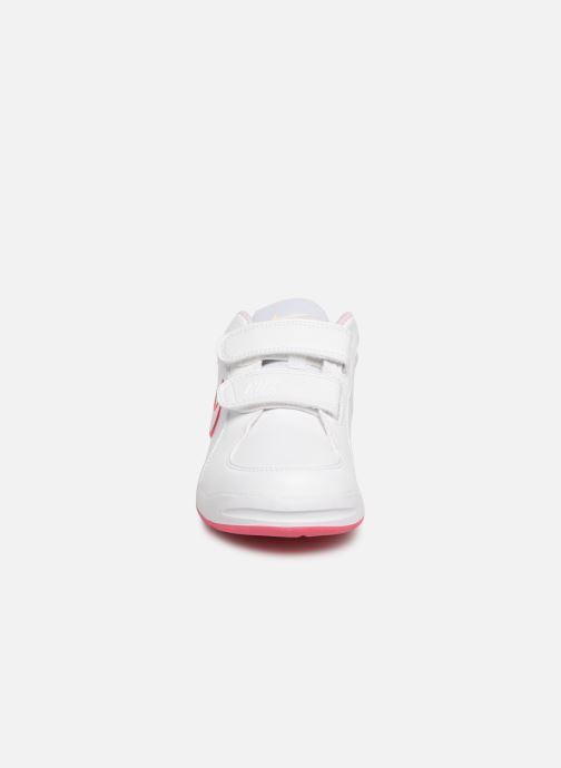 Baskets Nike Nike Pico 4 (Psv) Blanc vue portées chaussures