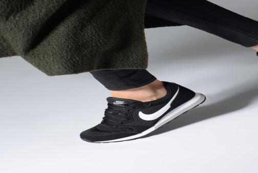 Baskets Nike Nike Md Runner 2 (Gs) Gris vue bas / vue portée sac