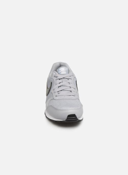 Nike Nike Md Runner 2 (Gs) (Gris) Deportivas chez Sarenza
