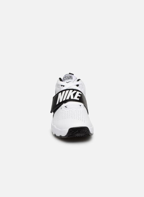 Sneaker Nike Nike Team Hustle D 8 (Ps) weiß schuhe getragen
