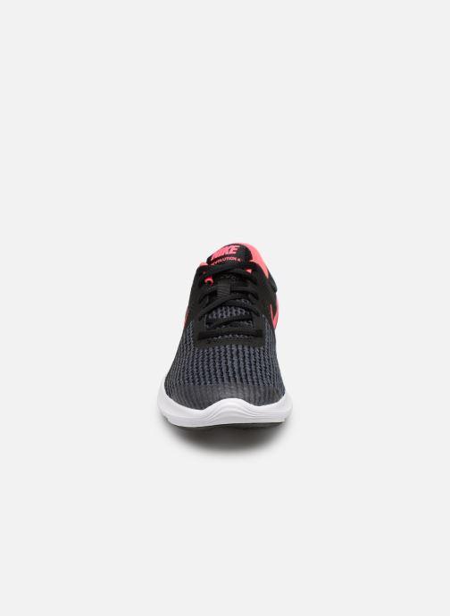Baskets Nike Nike Revolution 4 (Gs) Noir vue portées chaussures