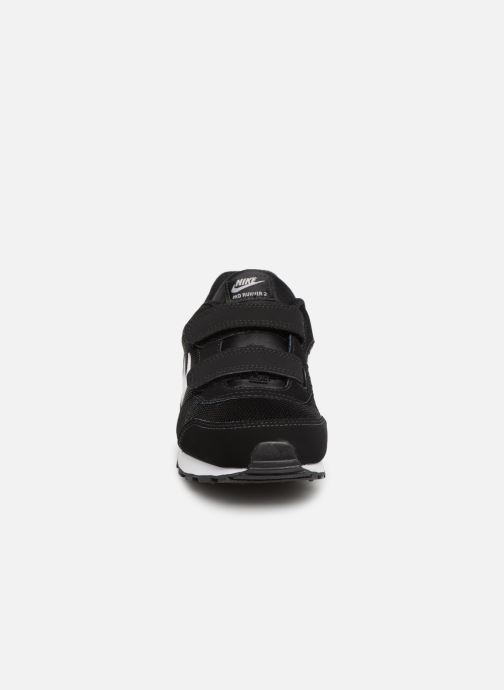 Baskets Nike Nike Md Runner 2 (Psv) Noir vue portées chaussures