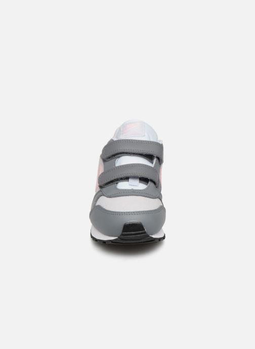 Sneakers Nike Nike Md Runner 2 (Psv) Grigio modello indossato