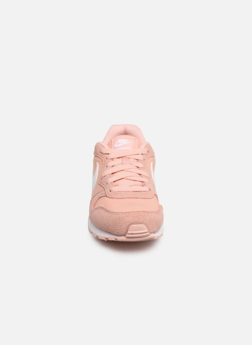 Baskets Nike Nike Md Runner 2 Pe (Gs) Rose vue portées chaussures