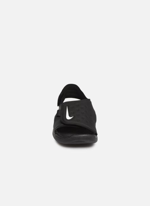 Sandalias Nike Nike Sunray Adjust 5 (Gs/Ps) Negro vista del modelo