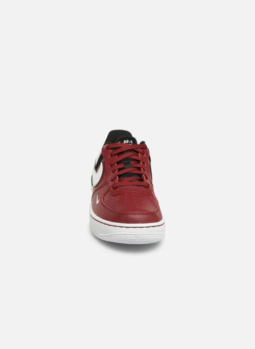 Baskets Nike Air Force 1 Lv8 2 (Gs) Bordeaux vue portées chaussures
