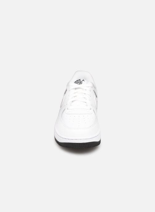 Baskets Nike Force 1 Lv8 2 (Ps) Blanc vue portées chaussures