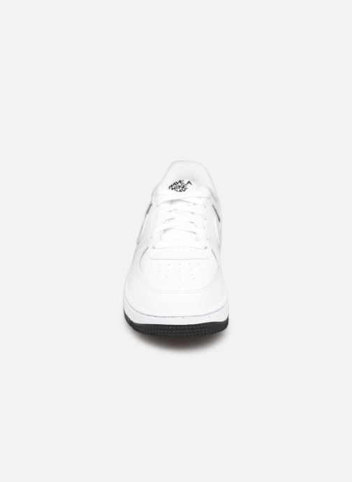 Baskets Nike Force 1 Lv8 2 (Ps) Blanc vue portées chaussures