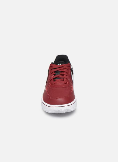 Baskets Nike Force 1 Lv8 2 (Ps) Bordeaux vue portées chaussures
