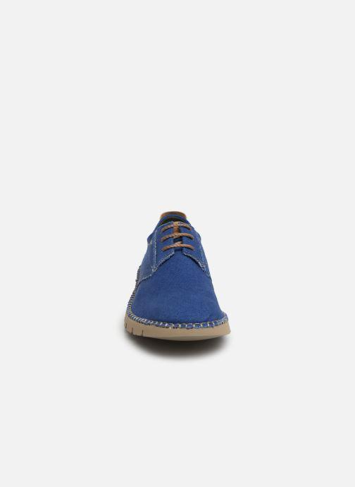 Scarpe con lacci Fluchos Thomas F0560 Azzurro modello indossato