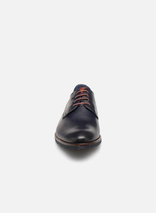 Scarpe con lacci Fluchos Olimpo F0137 Azzurro modello indossato