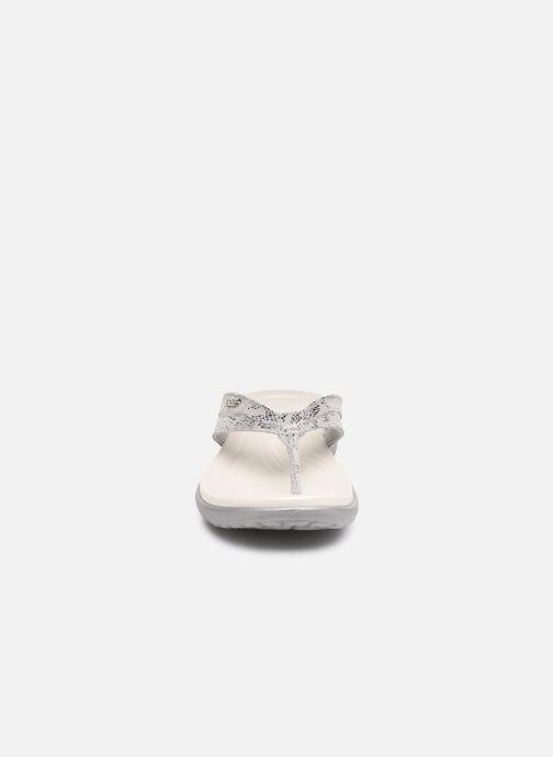 Zehensandalen Crocs Capri Strappy Flip W silber schuhe getragen