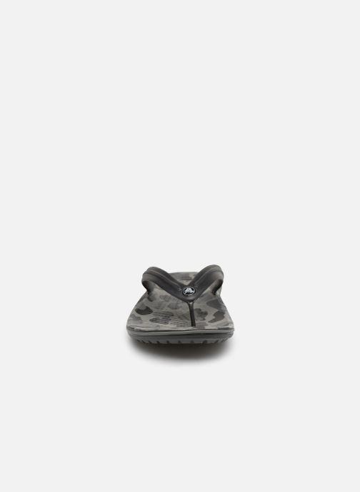 Zehensandalen Crocs Crocband Seasonal Graphic Flip M schwarz schuhe getragen