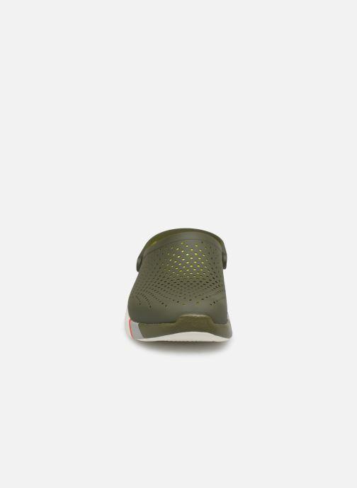 Sandalias Crocs LiteRide Colorblock Clog M Verde vista del modelo