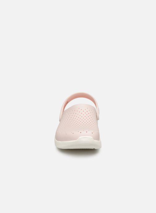 Mules et sabots Crocs LiteRide Clog F Rose vue portées chaussures