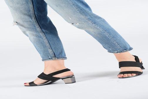 Sandales et nu-pieds United Nude Lev Sandal Mid Noir vue bas / vue portée sac