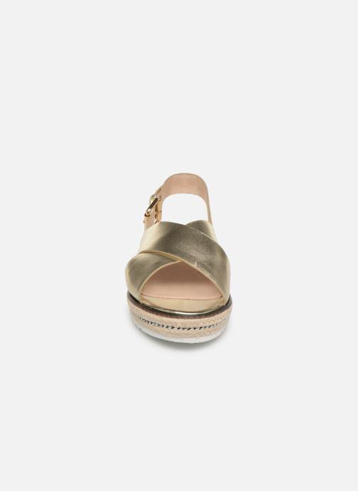 Sandales et nu-pieds COSMOPARIS EKATERINA Or et bronze vue portées chaussures